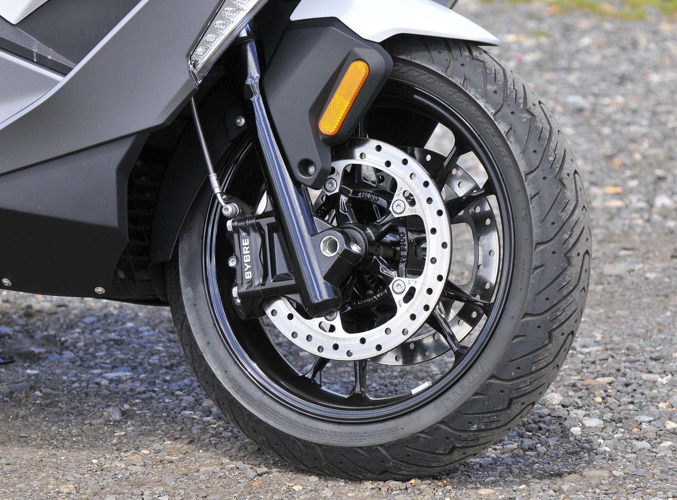 Front wheel BMW C400 GT