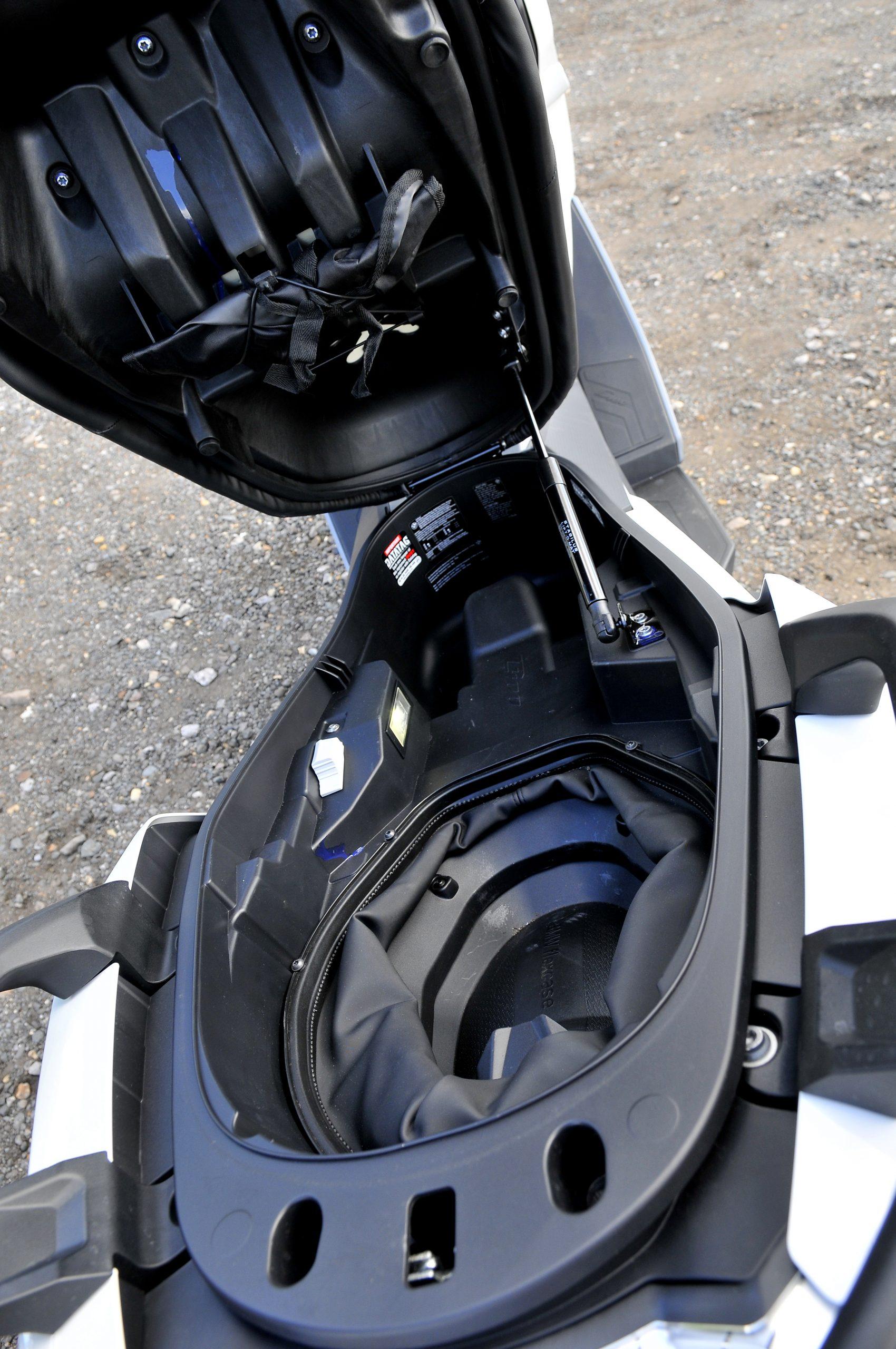 Storage on BMW C400 GT