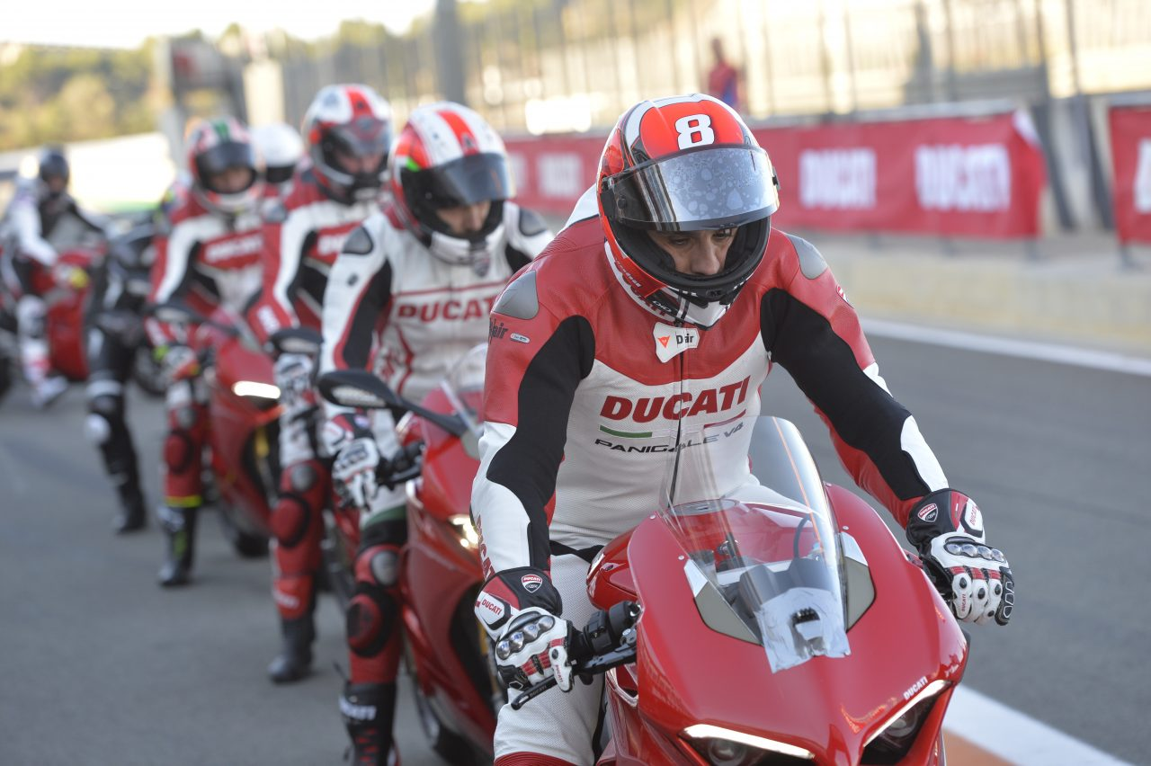 Panigale V4 track day