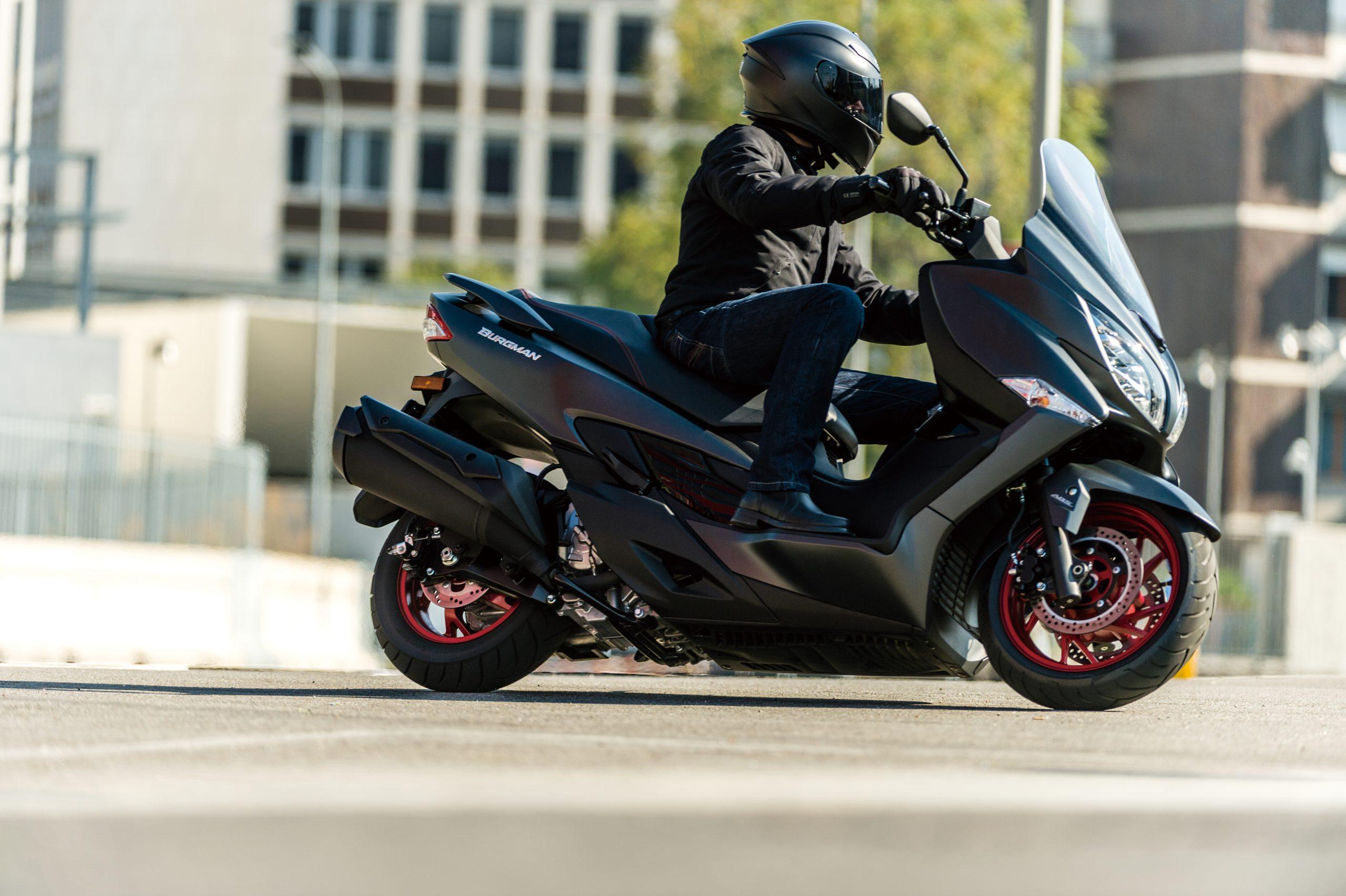 Motorbike types, maxi-scooter, Suzuki Burgman