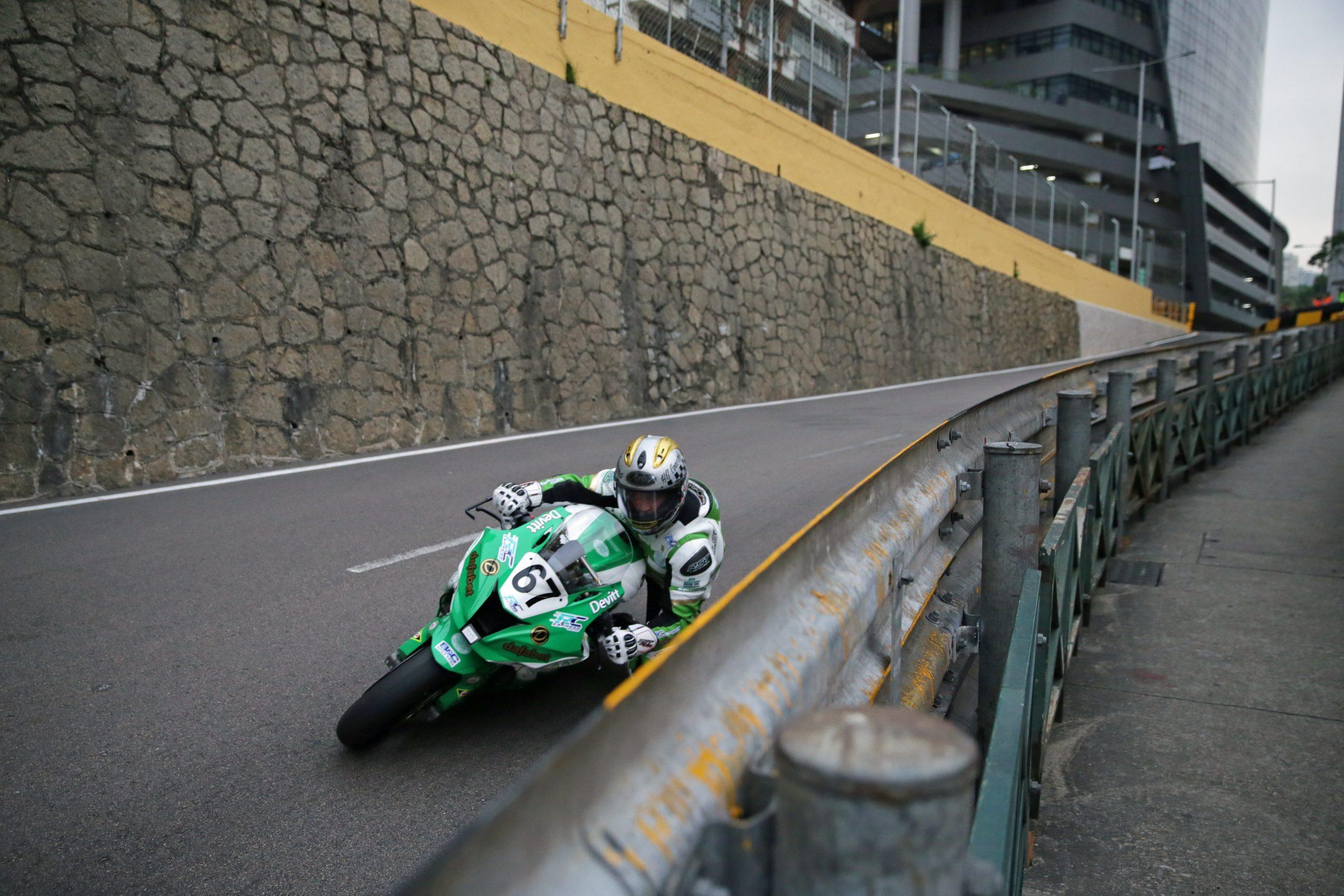 Dominic Herbertson racing for Dafabet Devitt at Macau GP
