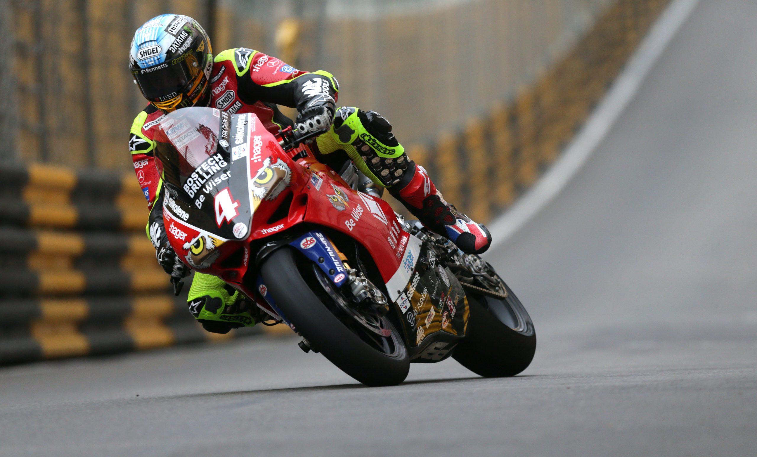 John McGuinness racing at 2018 Macau GP