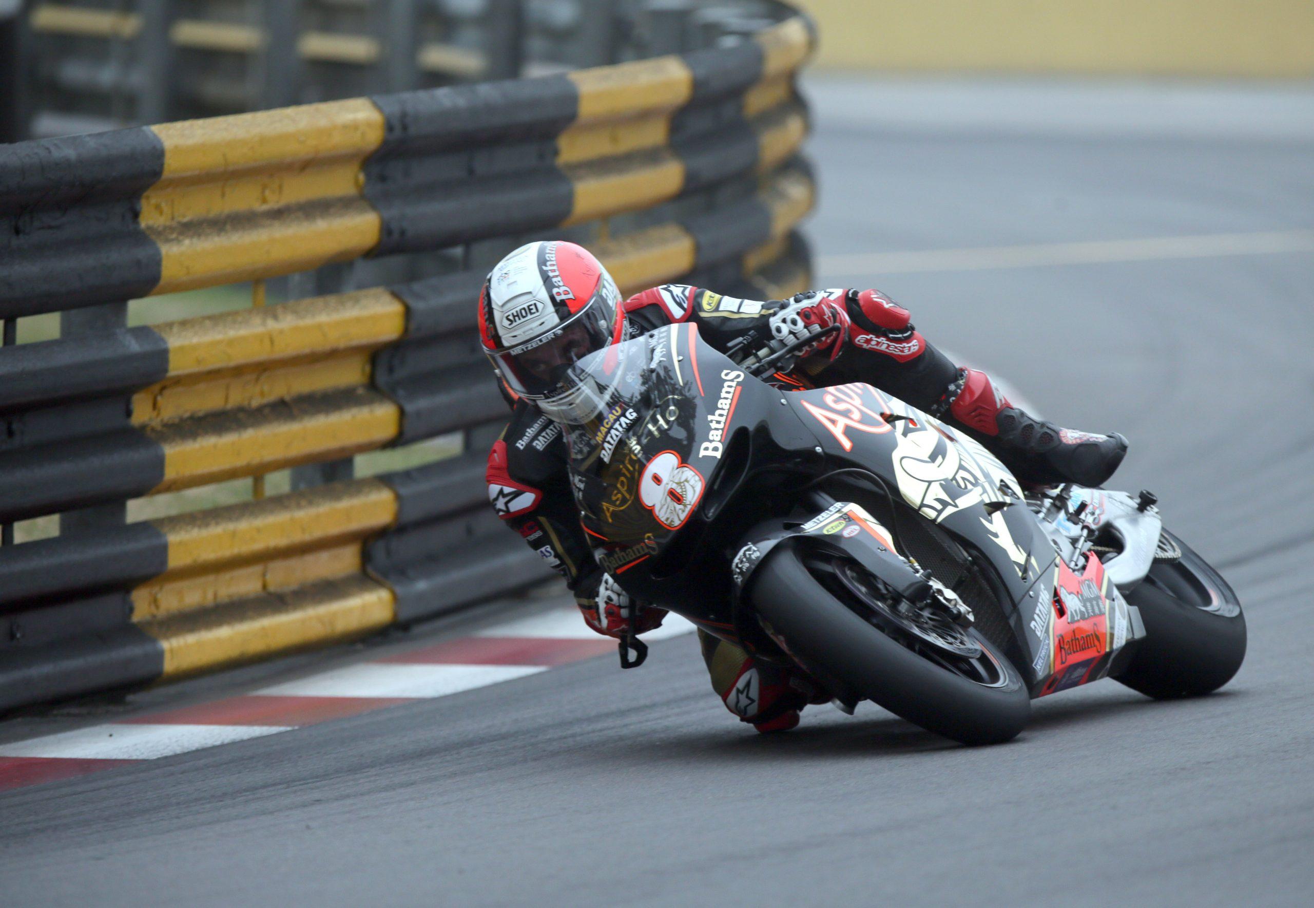 Michael Rutter racing at 2018 Macau GP
