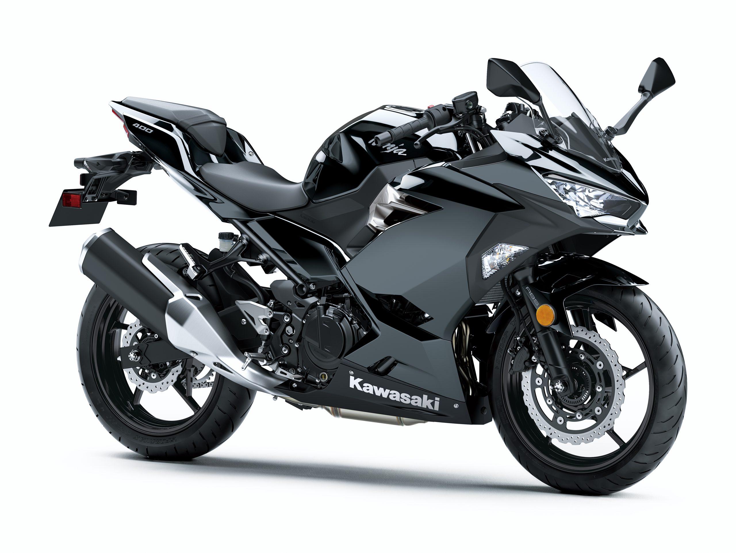 Ninja 400 – Metallic Spark Black – Statics (4)