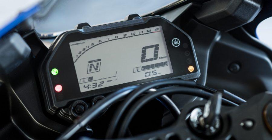 Yamaha R3 – 1
