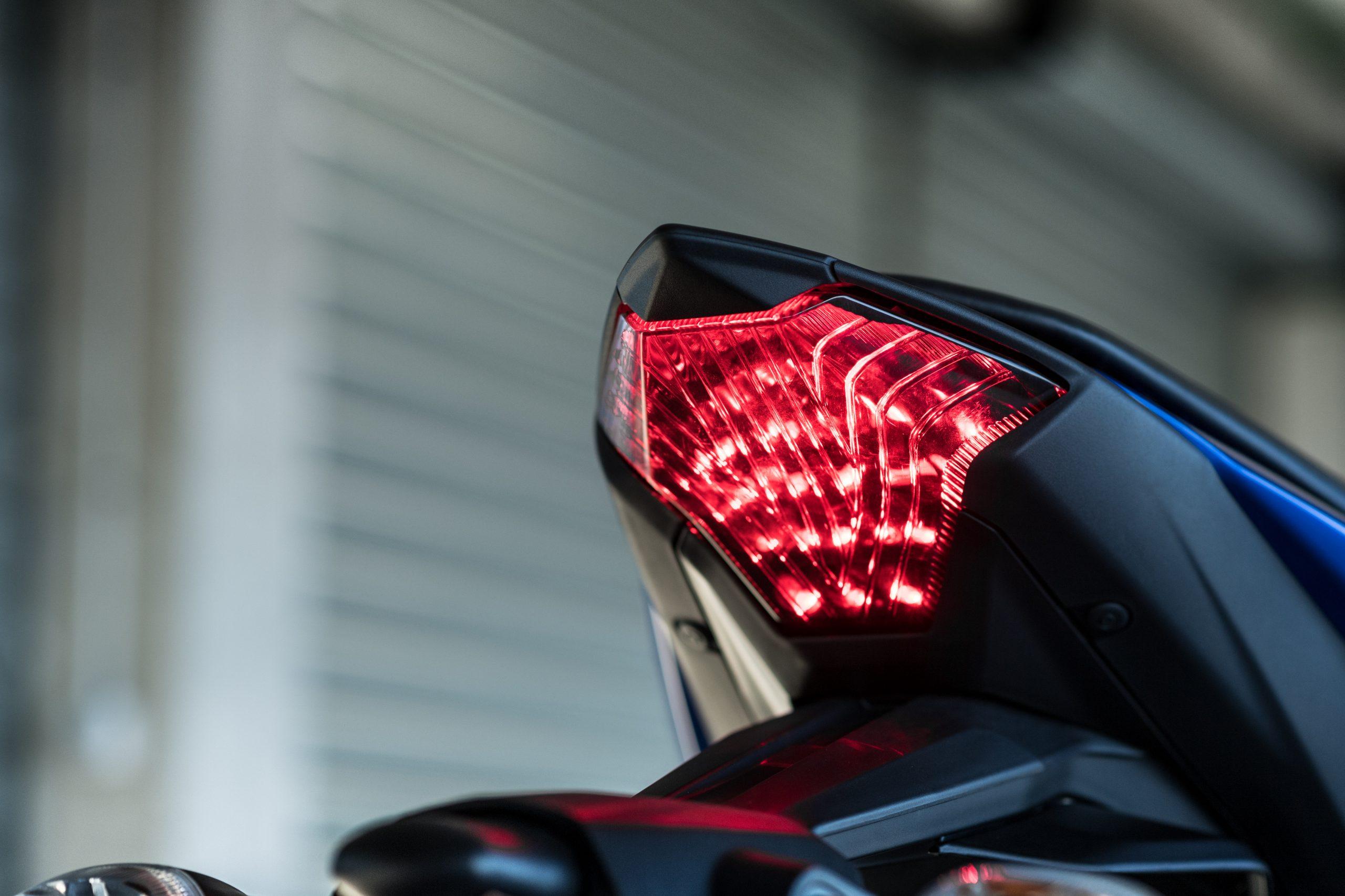 Yamaha R3 – 12