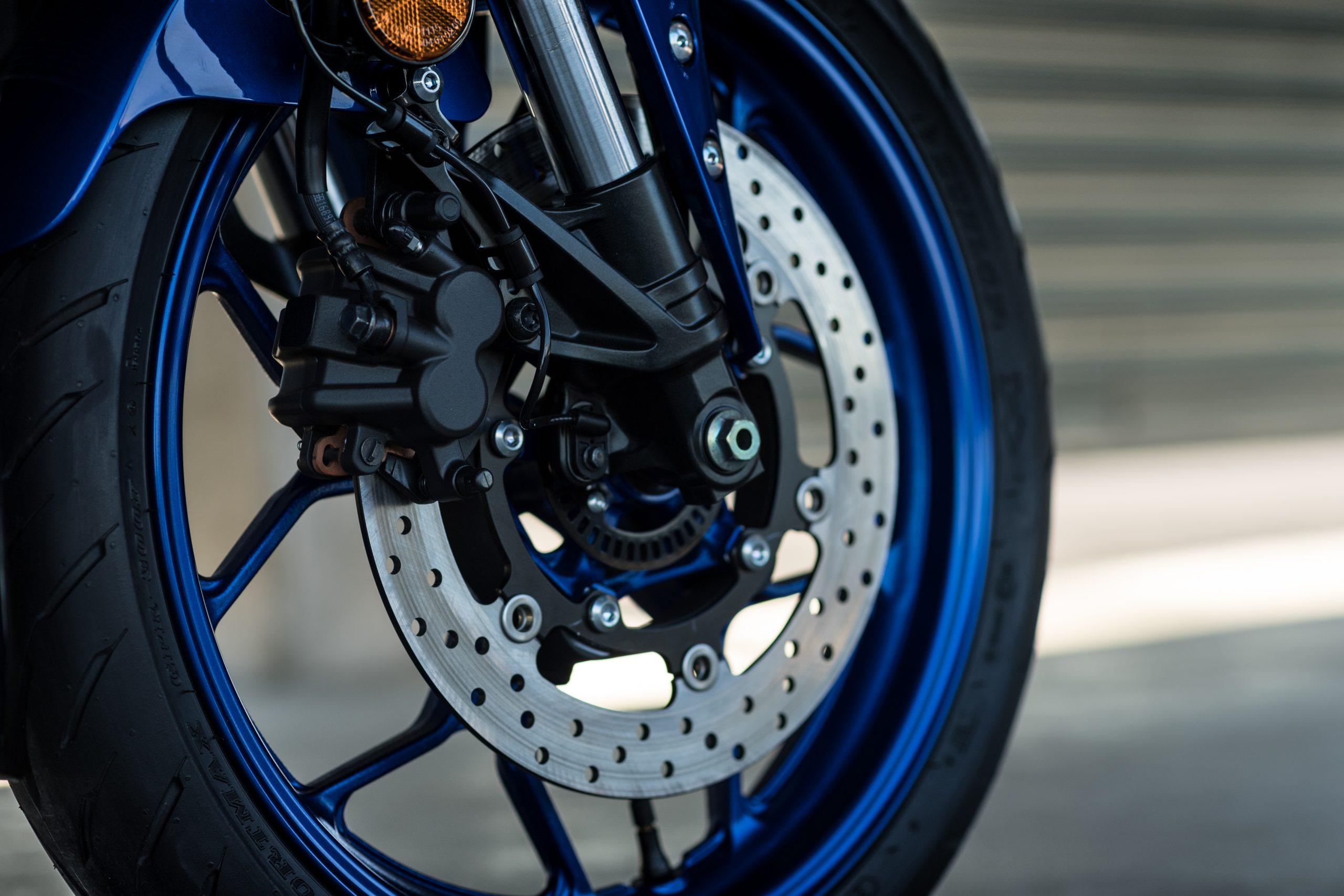 Yamaha R3 – 5