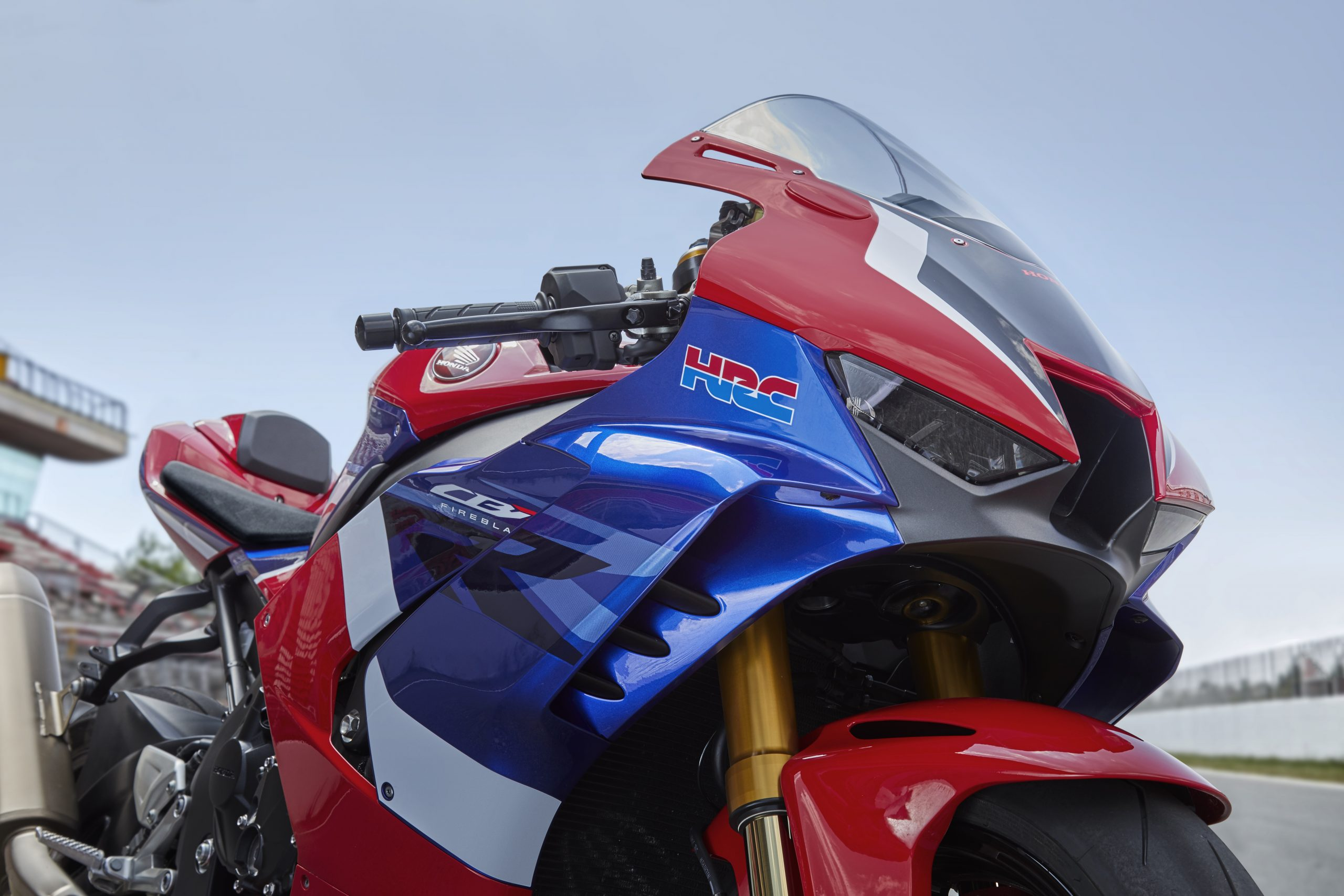 20YM_CBR1000RR-R_SP_Location_06_0119