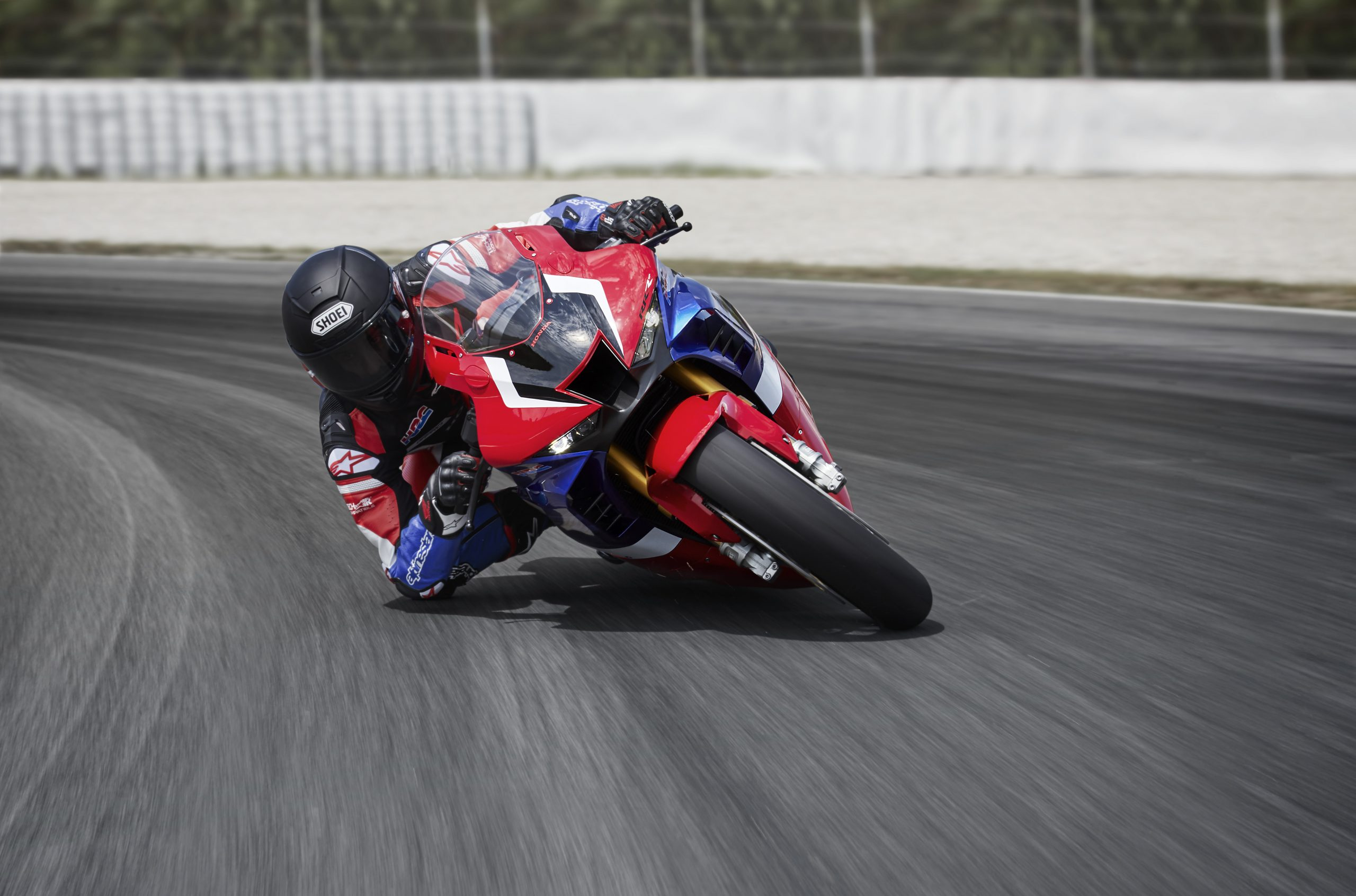20YM_CBR1000RR-R_SP_Location_MARQUEZ_Riding_03_0648