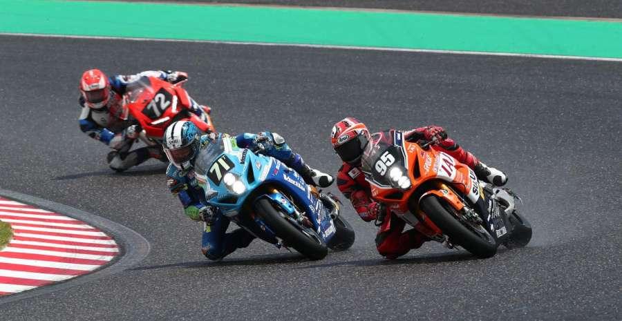 3 bikes racing in Suzuka 8 hours credit official fb