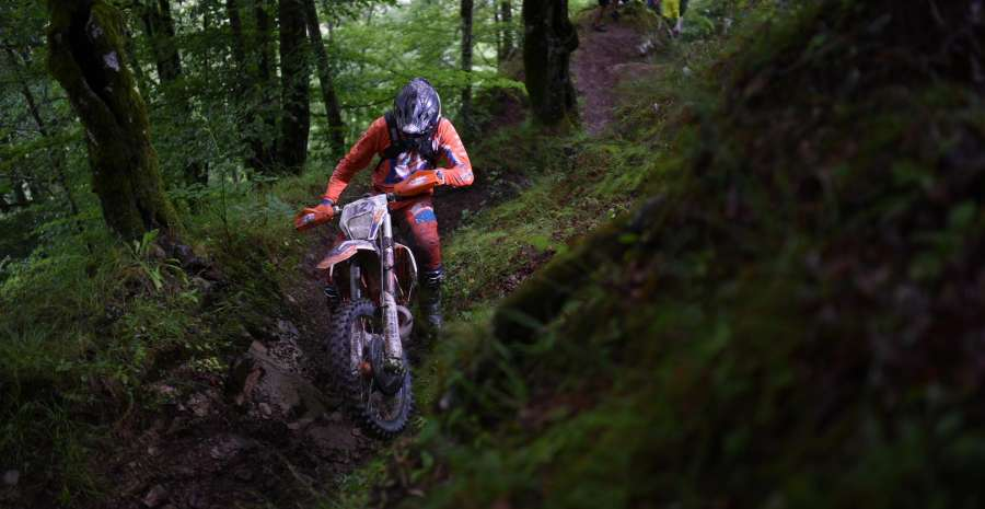 Downhill credit official Red Bull Romaniacs facebook page