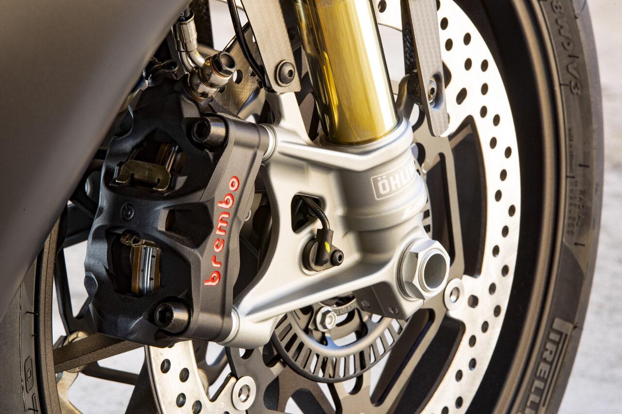 Brembo brakes on Aprilia RSV4 1100 Factory