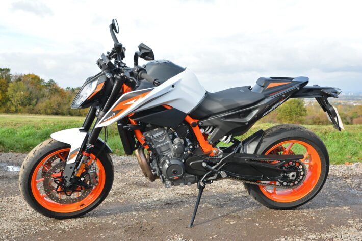 First Ride: KTM Duke 890 R