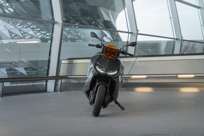 2022 BMW CE 04